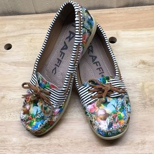 Traffic Loafers Floral Print Sz9